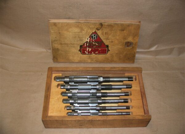 "T & J Expanding Reamer Set with Wooden Case, 19/32"" - 1 1/16"", 80212769"